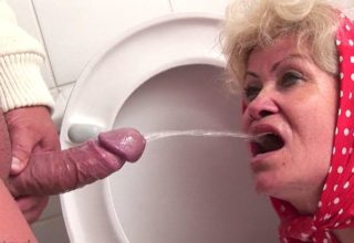 Granny kinky games in the toilet